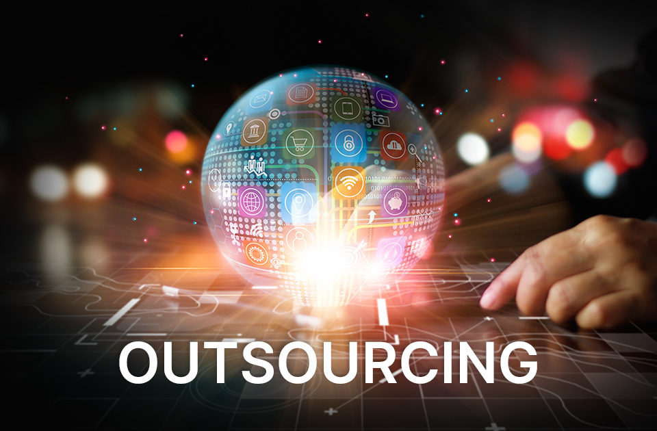 Outsourcing w e-commerce – kiedy ma sens?